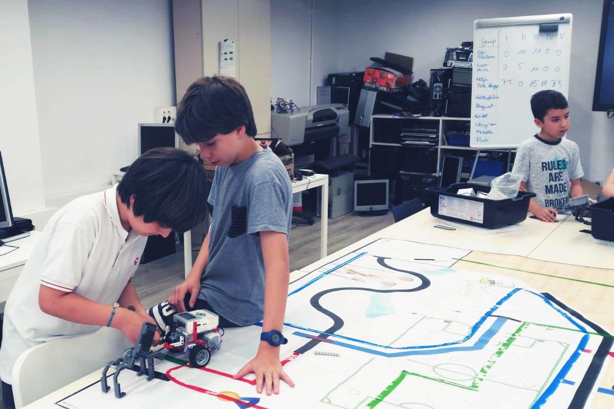 Curso de ciencia, tecnología, TIC's y robótica en Tau Formar