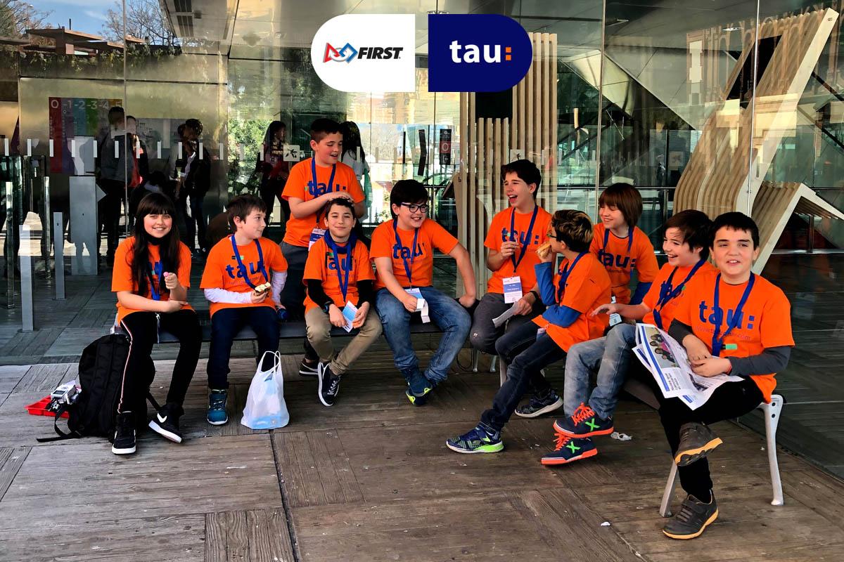 First Lego League en Barcelona con el equipo de jovenes científicos de Tau Formar