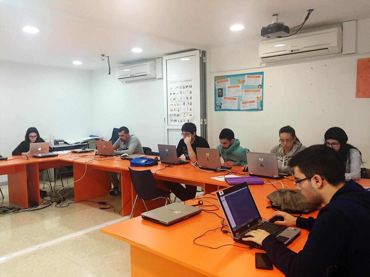 Curso de creación de páginas web en TAU